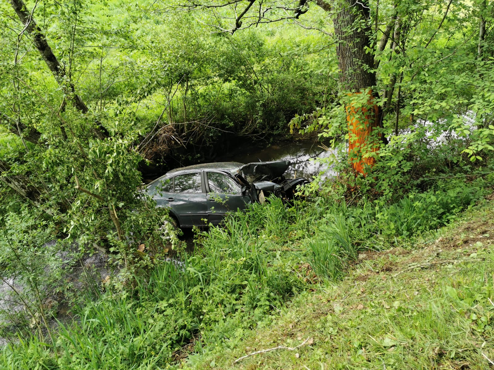 Einsatz: T10 - Verkehrsunfall mit eingeklemmter Person